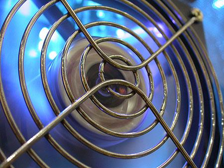 HCC Dagen 2002 fotoverslag - Tweakers.net stand A.P. Versteeg casemod voorkant