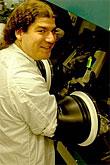 MIT onderzoeker bezig met productie QD-OLED