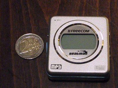 Freecom Beatman Flash naast euromunt