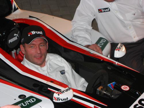 Jos Verstappen in Minardi bolide met Trust logo