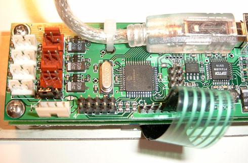 Matrix Orbital MX202 review - achterkant (links)