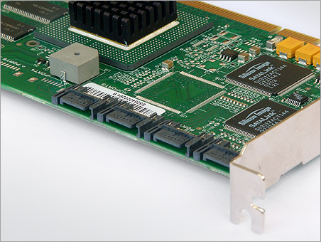 LSI Logic MegaRAID SATA 150-4 SATA-connectoren (groot)