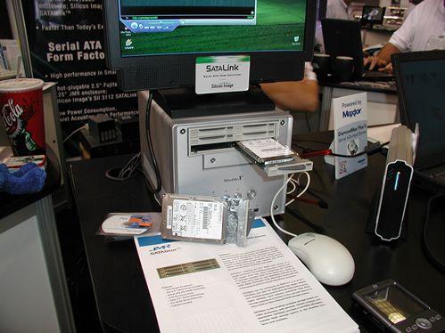 Fujitsu Serial ATA array in 5,25