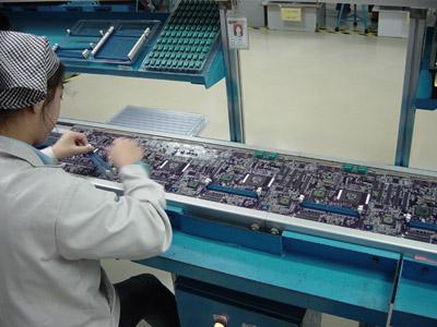 Plaatsen van componenten op ECS moederbord