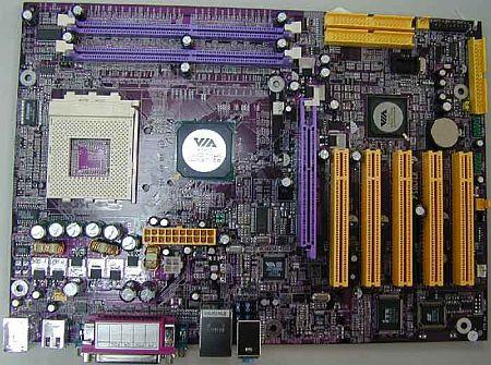 Soltek-mobo met VIA KT880-chipset