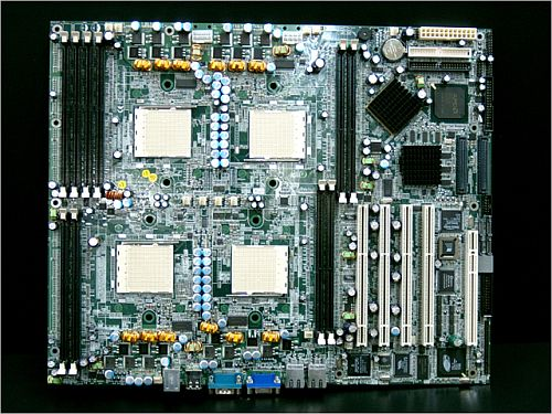 Tyan S4880 Thunder K84 quad Opteron-moederbord (overview)