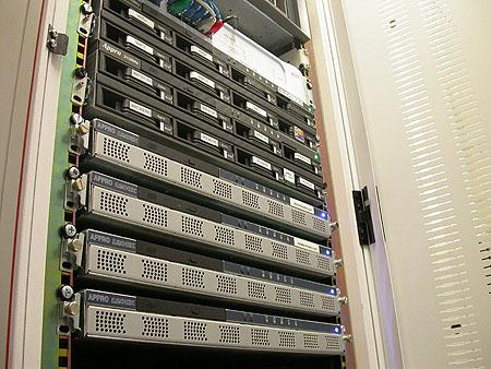 Serveronderhoud 20-12-2003: Arsenaal Appro servers