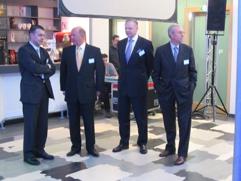 VIP's (tweede van links Cor Stutterheim - LogicaCMG, tweede van rechts Gerard Kleisterlee - Philips)