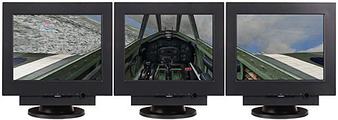 Microsoft Flight Simulator 9 op drie beelschermen