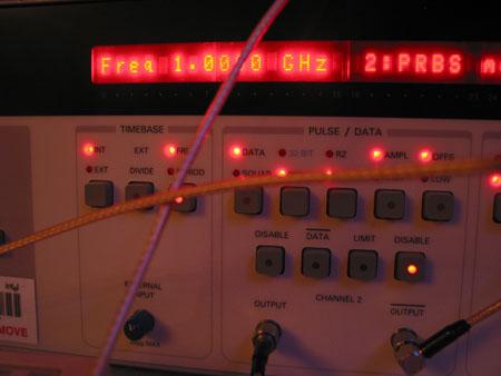 IDF 2004 - Photonics - 1GHz indicator
