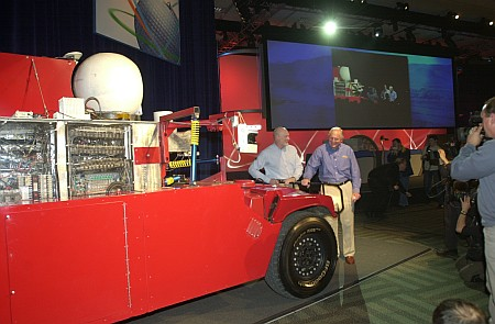 IDF 2004 - Craig Barrett keynote - Hummer (Intel)