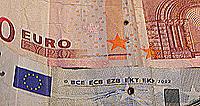 Tien eurobiljet met RFID