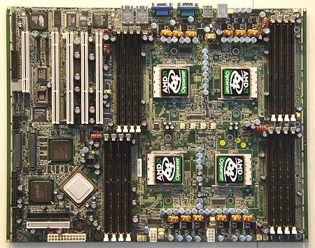 CeBIT 2004: Tyan Thunder K8QS Pro moederbord