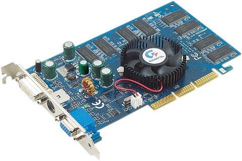 Gigabyte GV-N55128DP GeForce FX 5500-kaart