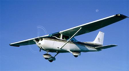 Cessna 172 in de lucht