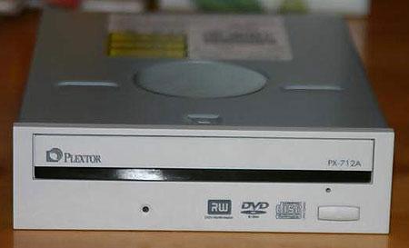 Plextor PX-712A front