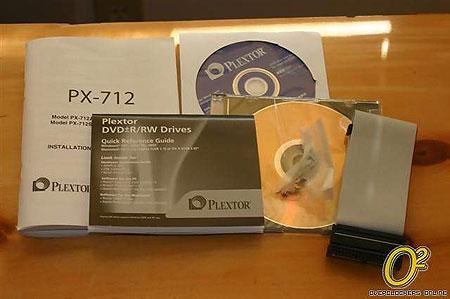 Plextor PX-712A goodies