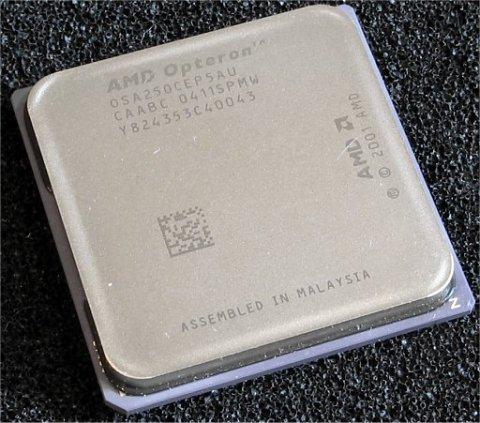 Opteron 250 processor uit week 11 van 2004