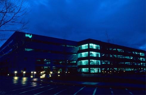 Intel-gebouw by night