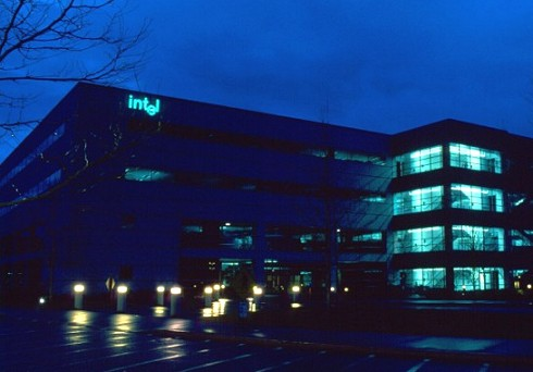 Intel-gebouw by night (lichter)