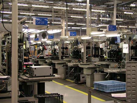 Dell - Assembly line for server products, each server is assembled in a matter of minutes (kleiner)