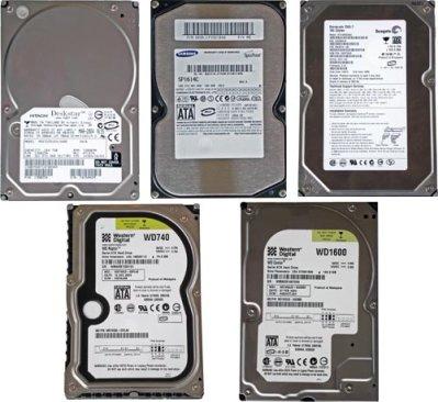 Vijf Serial ATA-harddisks