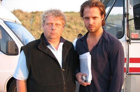 Theo van Gogh en Thijs Romer op de set van 0605, film over Fortuyn