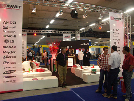 DID 2004: AVNet stand