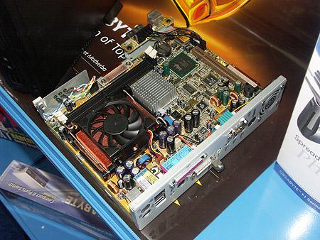 DID 2004: Gigabyte mini barebone