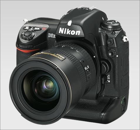 Nikon D2X (groot)