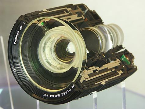 Photokina 2004: Tamron macrolens doorsnede