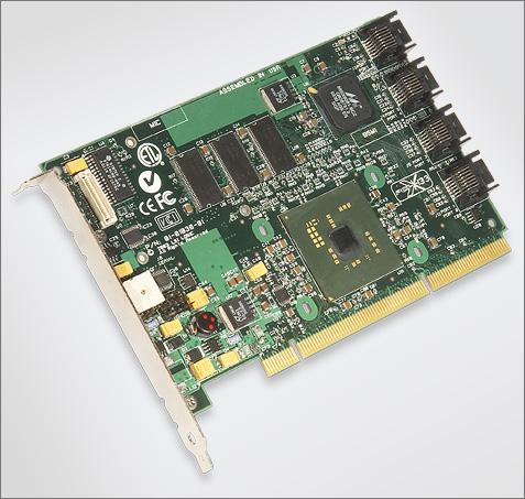 LSI Logic MegaRAID SATA 300-8X (perspic groot, 475px)