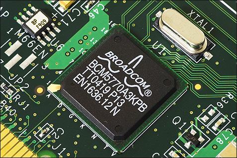 SATA RAID 2005 review: Broadcom BCM5770 SATA-controller