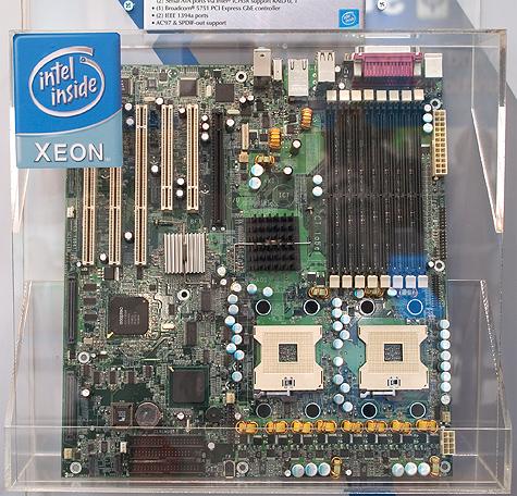CeBIT 2005: Tyan dual Xeon PCIe-plank