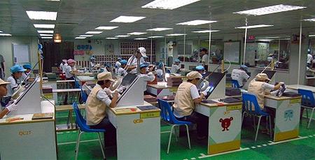 ECS productiefaciliteit, handmatig testen van PCB