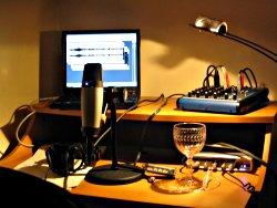 Podcasting station