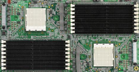 Iwill DK88-moederbord met 16 ramslots