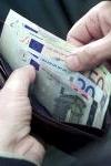Geld uit portefeuille halen