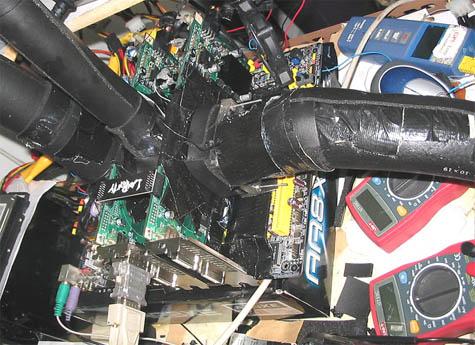 3DMark '05-record: tweemaal 7800 GTX 512MB in SLI, met koelerhuisvlijt