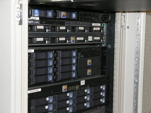 Serveronderhoud 28-02-2006: Artemis en Apollo
