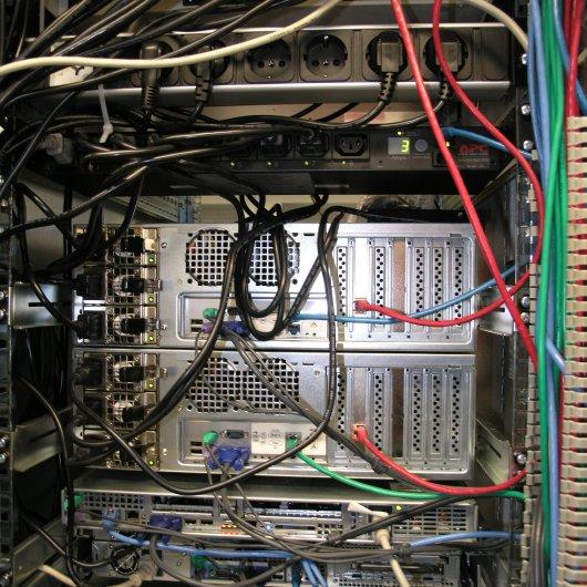Serveronderhoud 28-02-2006: Atlas en Aphrodite