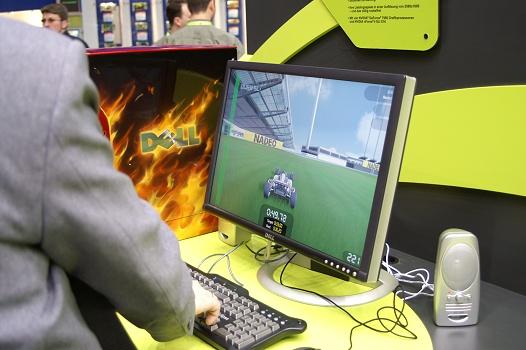 CeBIT 2006 - nVidia Quad SLI GeForce 7900 (Trackmania Nations)
