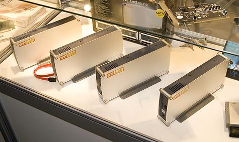 CeBIT 2006: ST Labs externe harde schijfbehuizingen