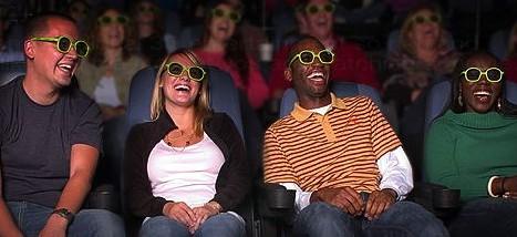 Bioscoopgangers met 3d-brilletjes bekijken 'Busty-Babes-Beach-Volleyball-Tournament part IV