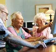 Ouderen achter de computer