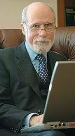 Vinton Cerf met laptop