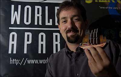Worlds Apart-oprichter Scott Martins