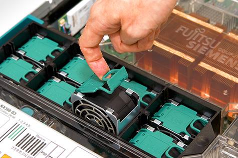 Fujitsu-Siemens Primergy RX300 S3 - Hotswap fans