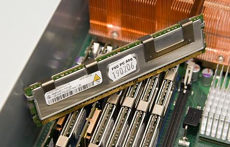 Fujitsu-Siemens Primergy RX300 S3 - FB-DIMMs