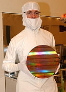 Witjas met 45nm-wafer
